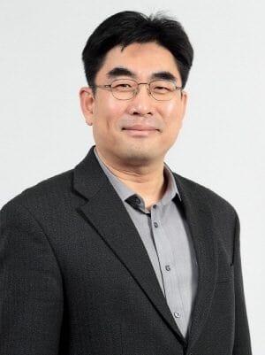 Dongmyun Lee