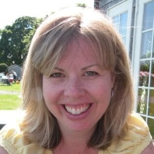 Headshot of Dina Gerdeman