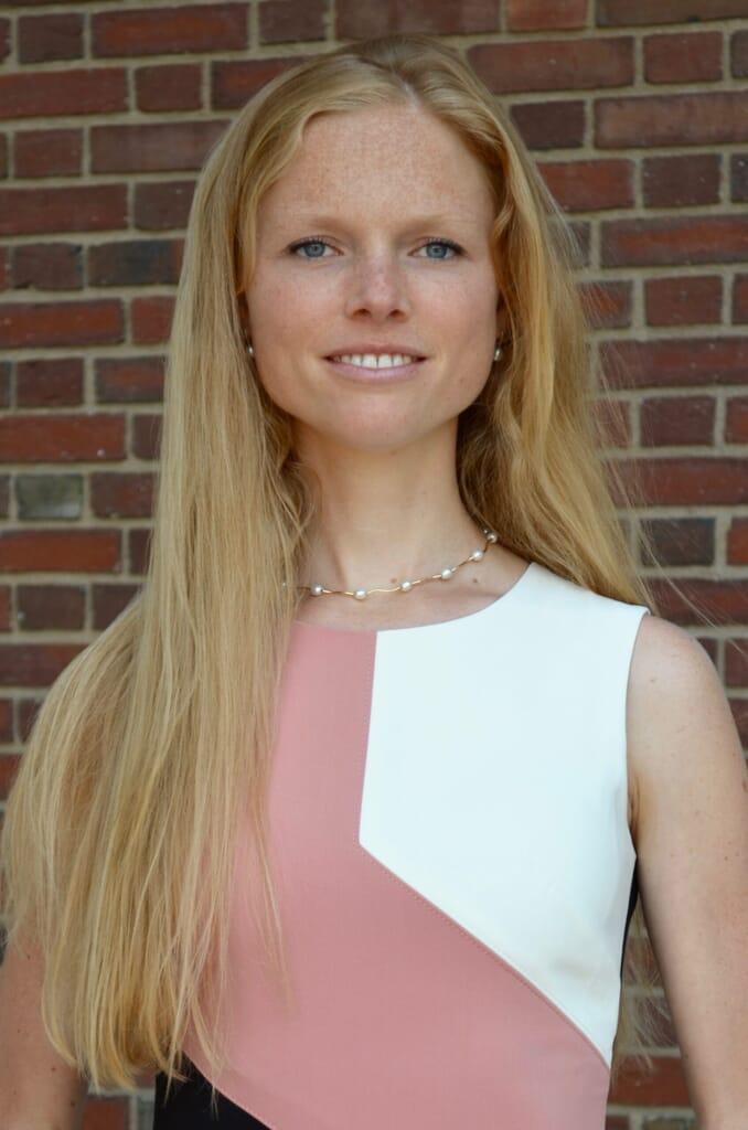 Jana Gallus headshot